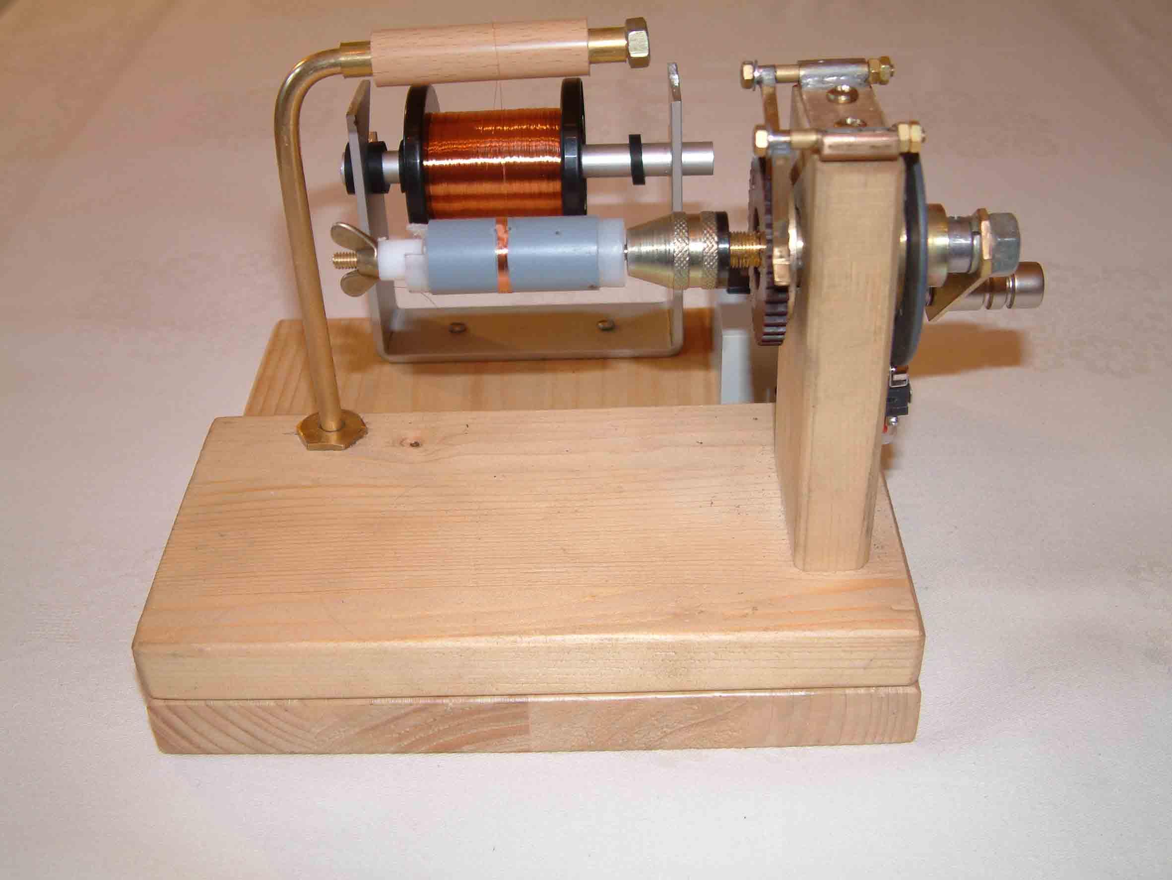 Einfache Spulenwickelmaschine für Zylinderspulen - Praxis: Basteln ...